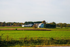 Farm_and_sheep_in_Ohio