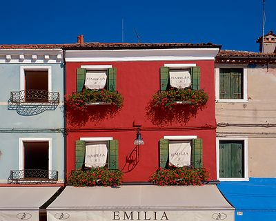 Emelia Windows