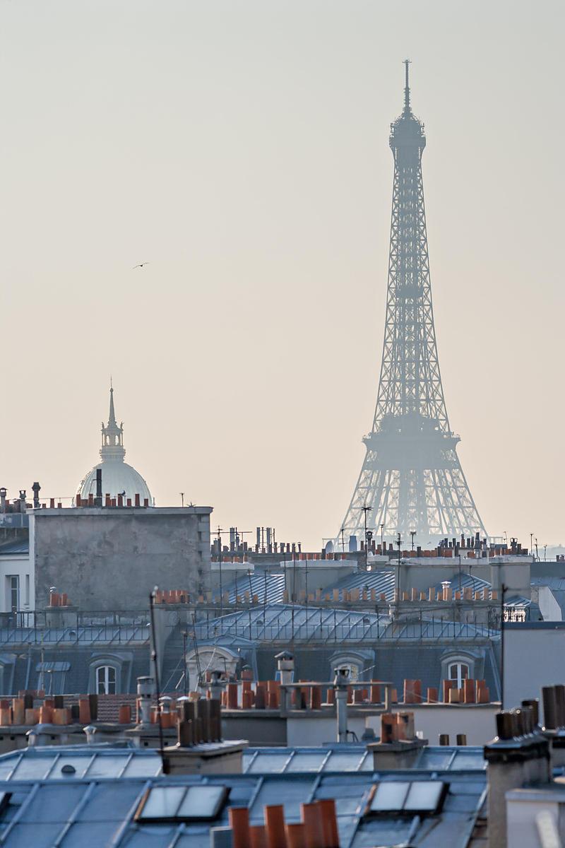 Phototh que arnaud frich la tour eiffel les toits de paris et le d me des - Les dimensions de la tour eiffel ...