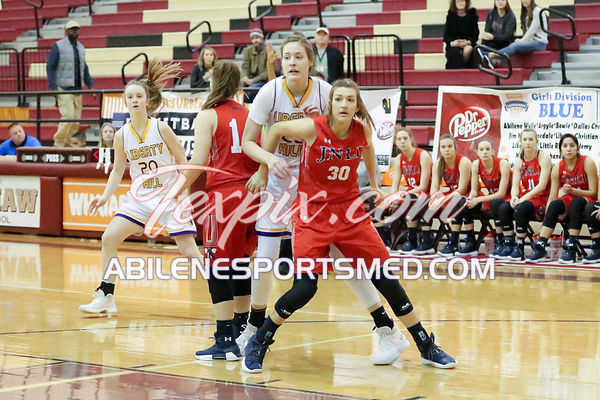 12-30-17_BKB_FV_Jim_Ned_v_Liberty_Hill_Whataburger_Championship_Game_MW03051