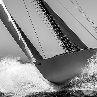 SAILING IN SAINT TROPEZ, FRANCE / VOILE A SAINT TROPEZ