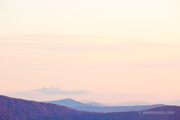 BLUE RIDGE MOUNTAINS SHENANDOAH VALLEY SHENANDOAH NATIONAL PARK VIRGINIA COLOR