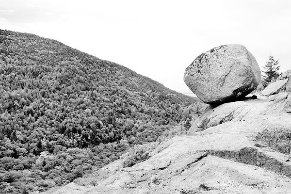 BALANCED ROCK SOUTH BUBBLE ACADIA NATIONAL PARK MAINE BLACK AND WHITE