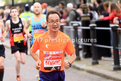 BAOYAN WANG running in the London Marathon