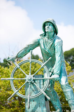 GLOUCESTER FISHERMAN MEMORIAL STATUE GLOUCESTER CAPE ANN MASSACHUSETTS