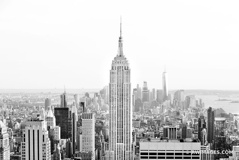EMPIRE STATE BUILDING MAHATTAN SKYLINE NEW YORK CITY BLACK AND WHITE