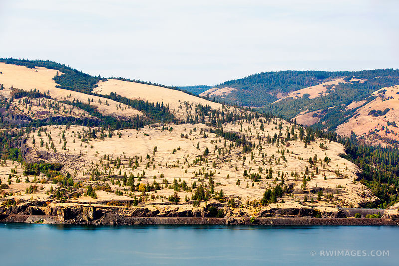 COLUMBIA RIVER COLUMBIA RIVER GORGE OREGON COLOR