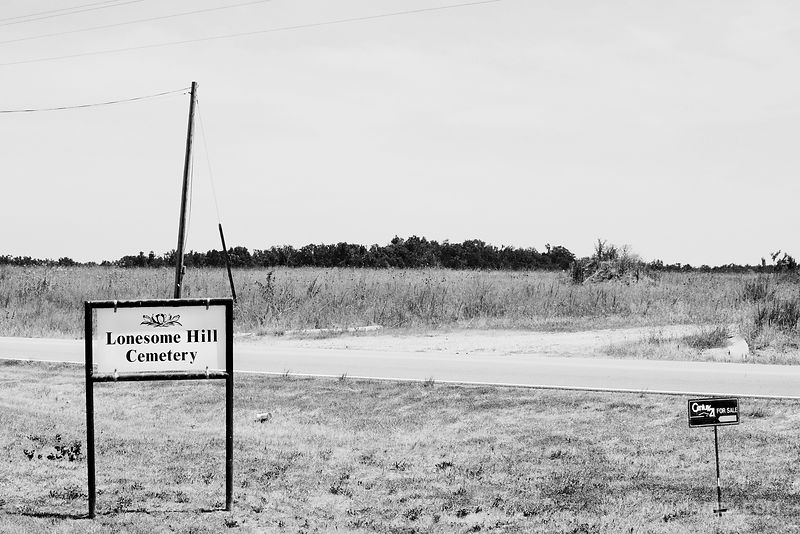 REAL ESTATE FOR SALE ROUTE 66 MISSOURI BLACK AND WHITE