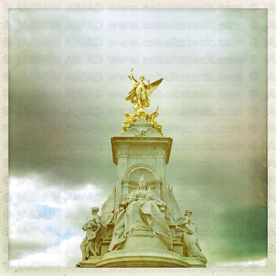 Queen Victoria Memorial in front of Buckingham Palace London, UK