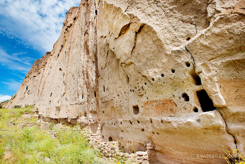 CLIFF DWELLINGS BANDELIER NATIONAL MONUMENT NEW MEXICO