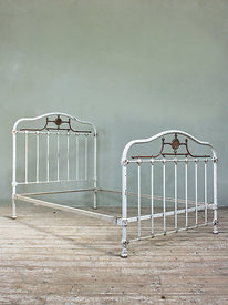 Double beds photos