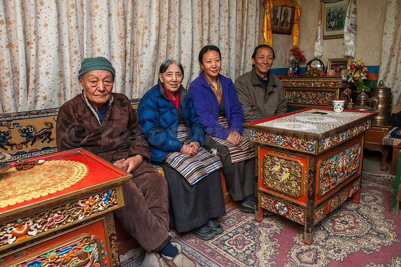 Mustang Winter Turf >> fotoSwiss pressPhotography presseFotos | Nepal - Mustang Lo Manthang Royal Palace Dinner