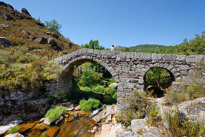 Roman bridge of Cava da Velha across the Laboreiro river. Castro Laboreiro, Peneda Geres National Park. Portugal (MR)
