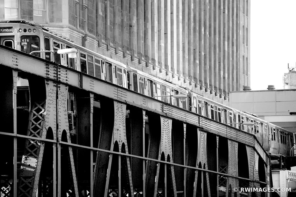 EL TRAIN CHICAGO BLACK AND WHITE