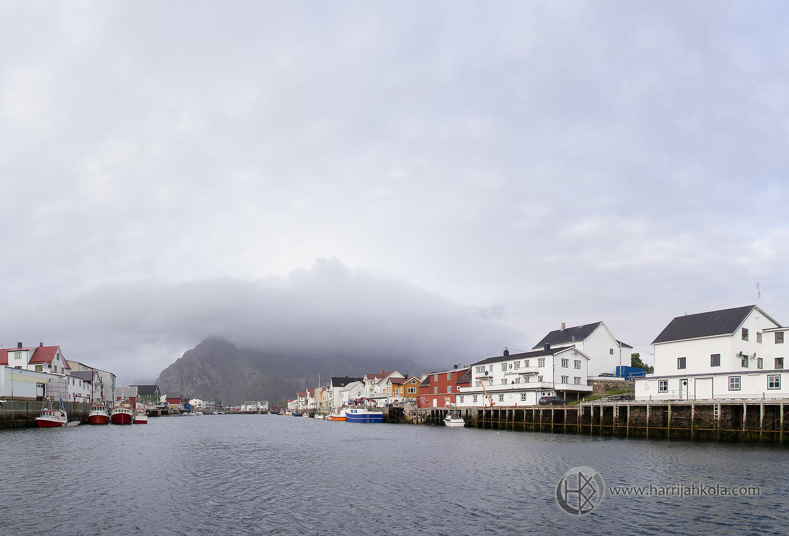 Norway - Lofoten - Henningsvær (Cloudy Harbor)