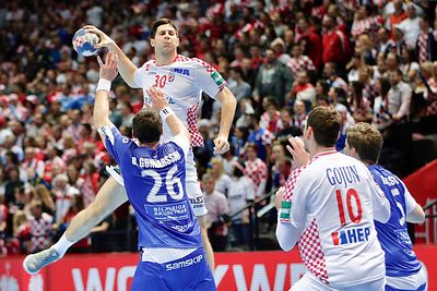 14.01 ISL vs CRO photos