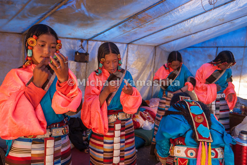 Chamadao, Route 317, Nakchu Horse Festival, Biggest ever we are told. Last year's was cancelled due to Tibet's uprising. Nakchu is the crossroads of 3 major routes, 317, road to Qinghai and Lhasa. Day 2 of 7 day fest featuring dance shows from every county as well as horsemanship.