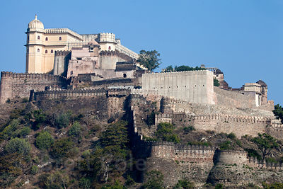 Classic view of the massive Kumbhalgarh Fort, Rajasthan, India