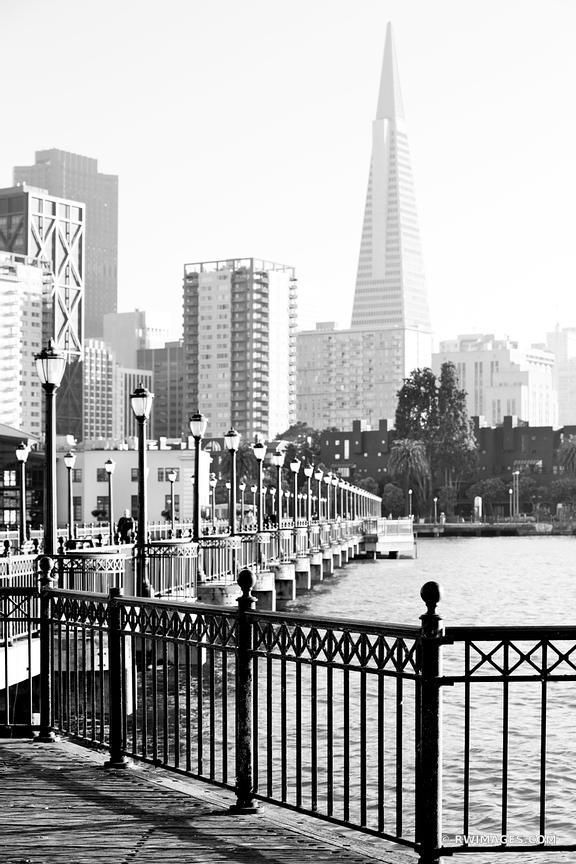 PIER 7 SAN FRANCISCO BLACK AND WHITE