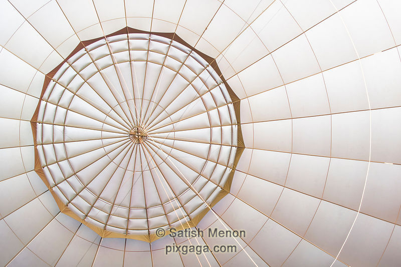 Concentric Circles and Converging Lines Patterns, Hot Air Balloon Roof, Middletown, CA, USA