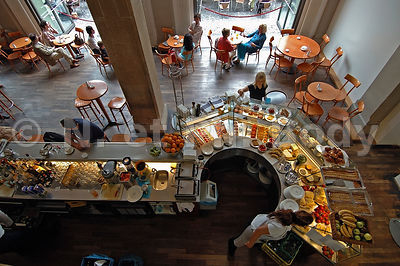 ALLEMAGNE, MUNICH, CAFE DUCATZ//GERMANY, MUNICH, CAFE DUCATZ