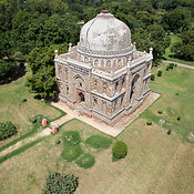 Delhi, Bara Gumbad Tomb and Mosque in Lodhi Garden