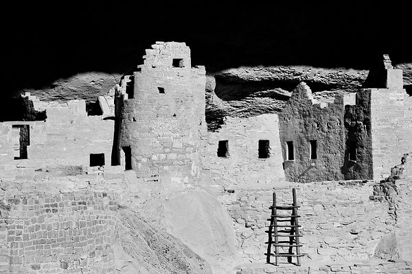 CLIFF PALACE RUINS MESA VERDE NATIONAL PARK COLORADO BLACK AND WHITE