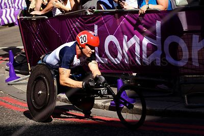 Great Britains triple gold para-athlete competing in the LOndon T54 Marathon