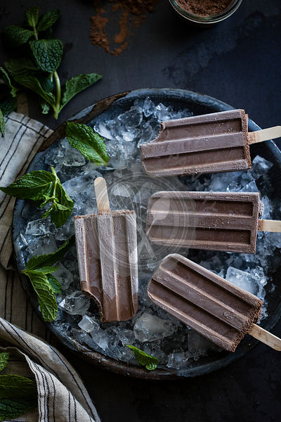 Ceamy chocolate mint popsicles (vegan)