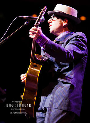 100-4198 Elvis Costello