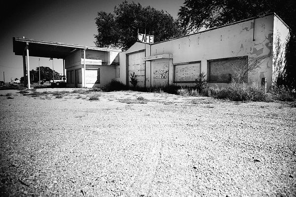 ABANDONED ROADSIDE CAFE ROUTE 66 TEXAS BLACK AND WHITE