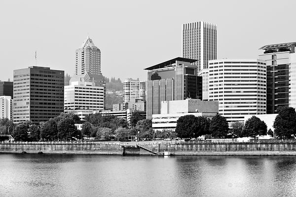 DOWNTOWN PORTLAND OREGON BLACK AND WHITE