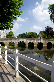 Town bridge and River Avon, Bradford on Avon, Wiltshire, England.