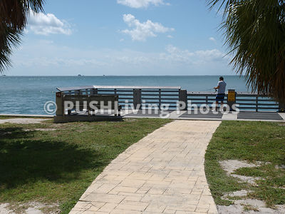 Jetties and fishing platforms