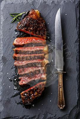 how to cook striploin steak medium rare
