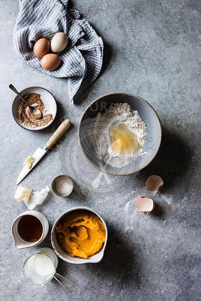 Ingredients and preparation for Pumpkin Pudding Chomeur