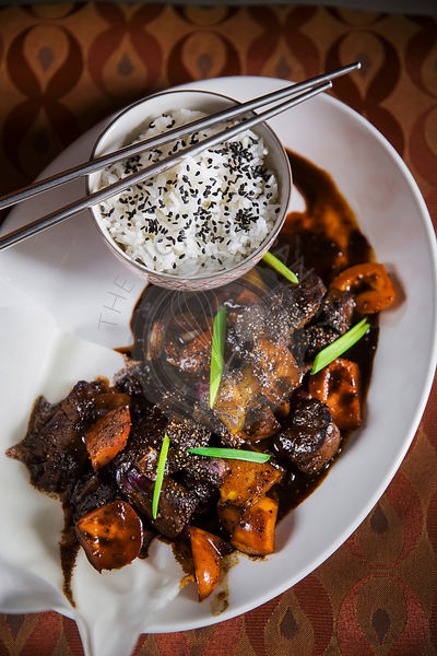 Asian dish - beef in black pepper sauce, with rice