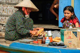 Market Sellers in Boat