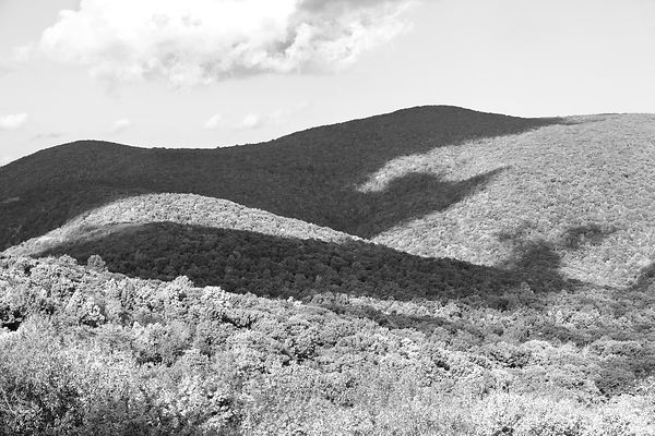 BLUE RIDGE MOUNTAINS SKYLINE DRIVE SHENANDOAH NATIONAL PARK VIRGINIA BLACK AND WHITE