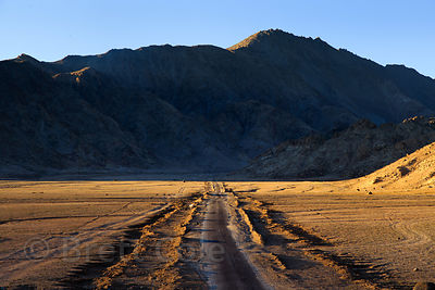 The long road to nowhere near Taroo, Ladakh, India