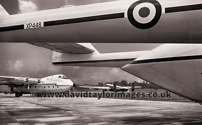 New Argosy's of 215 Sqdn | Argosy's XP448, XP450 and Shackleton WL741 | RAF Changi July 1963