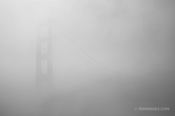 GOLDEN GATE BRIDGE SAN FRANCISCO BLACK AND WHITE