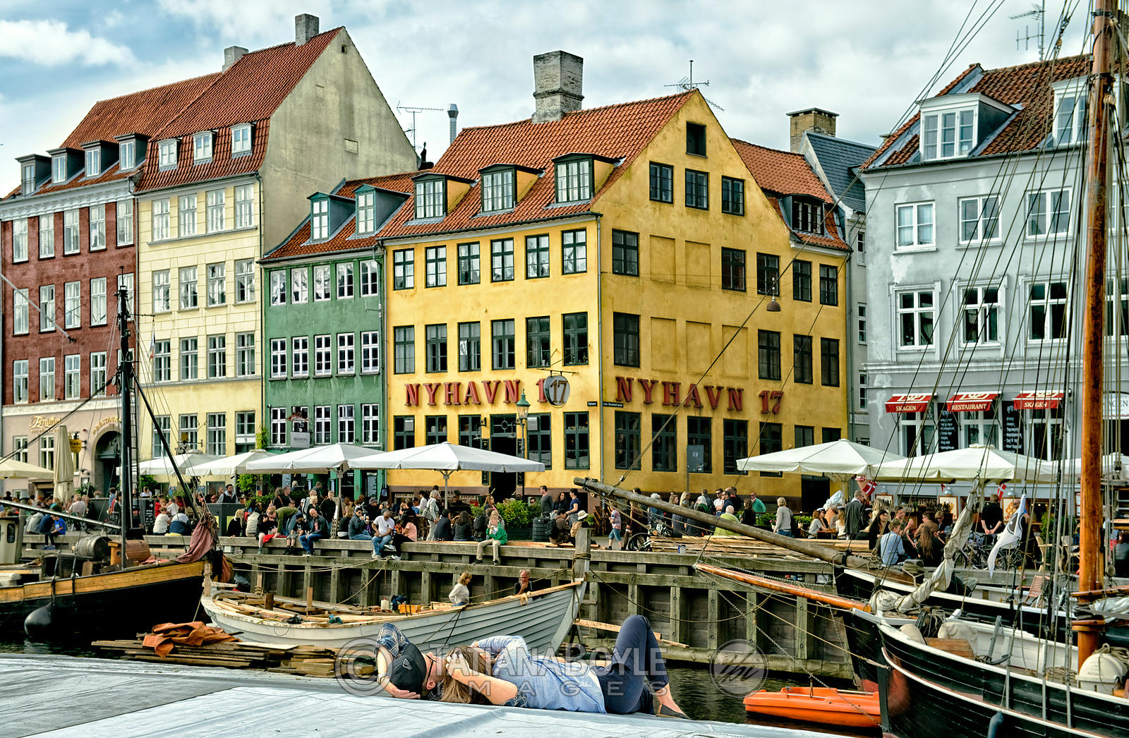 Relaxing at Nyhavn