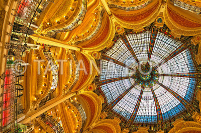Dome and balconies of Galeries Lafayette