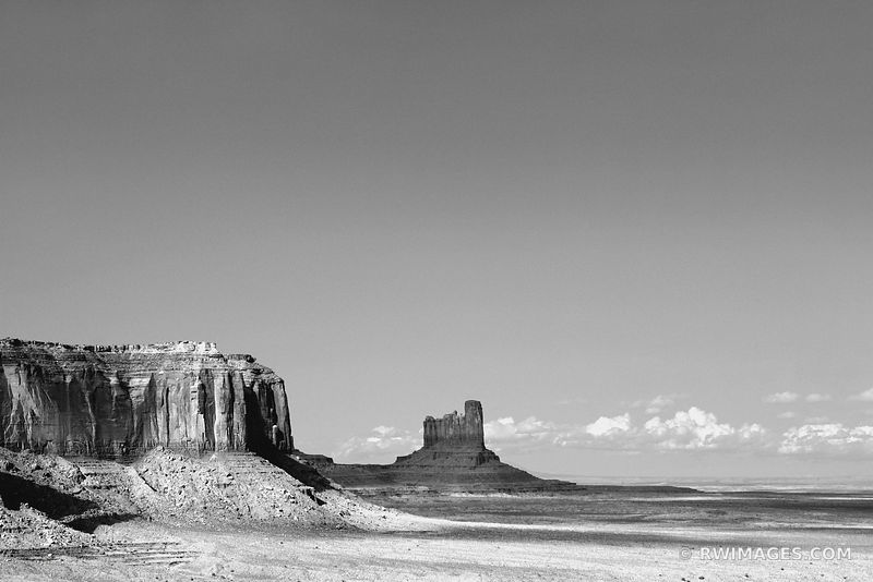 MONUMENT VALLEY ARIZONA BLACK AND WHITE LANDSCAPE AMERICAN SOUTHWEST