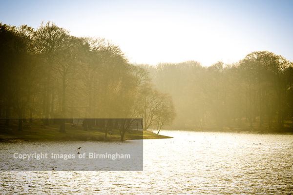 Edgbaston Reservoir in mist, Birmingham, England, UK