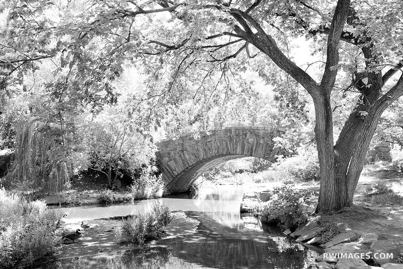 GAPSTOW BRIDGE CENTRAL PARK POND MANHATTAN NEW YORK CITY NEW YORK BLACK AND WHITE