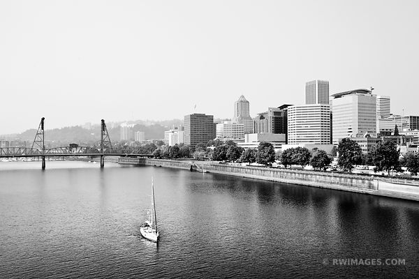 DOWNTOWN PORTLAND OREGON SKYLINE BLACK AND WHITE