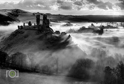 Winter morning Corfe Castle 2014