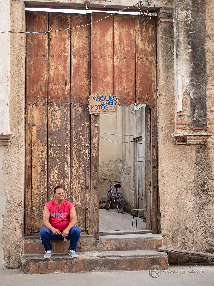 Cuba - Camagüey (Man and Bicycle).ORF